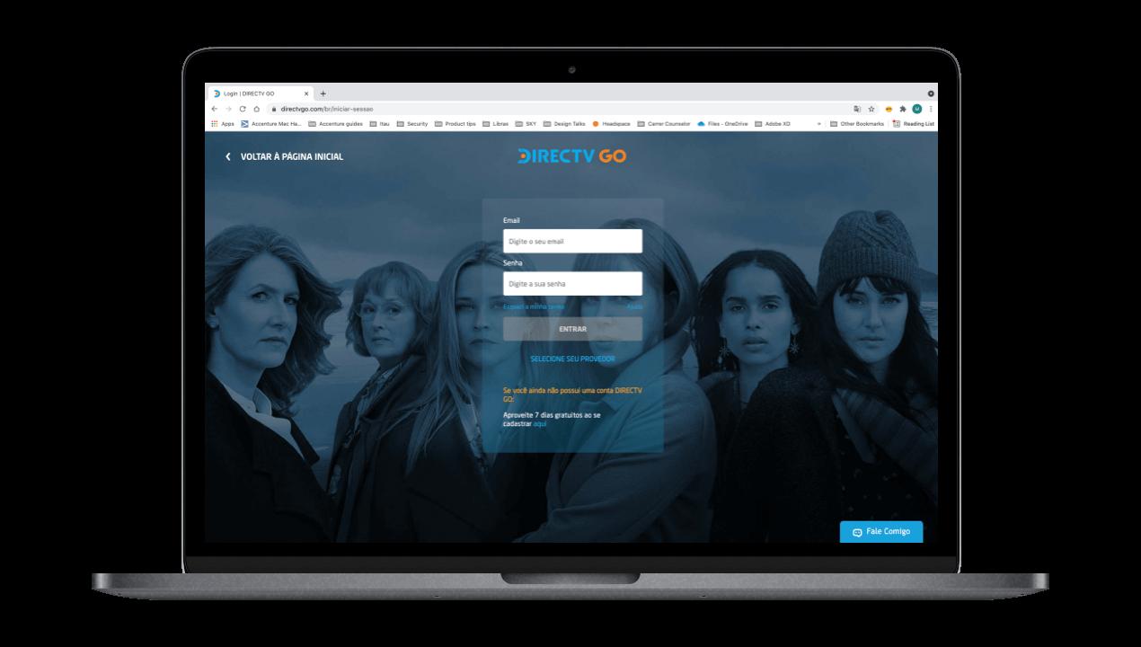 Notebook com site da DIRECTV GO na tela de Login